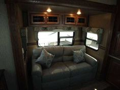 2015 New Palomino Sabre RV 34REQS-6 Fifth Wheel in Arizona AZ.Recreational Vehicle, rv, 2015 Sabre RV 34REQS-6 This Ones Loaded - Dual ACs - Heated Holing Tanks - Dual Pane Windows - Power Jacks and MORE ! Sabre fifth wheels offer you a luxury product without breaking the bank. Features like a 10 gallon water heater and a large 8 cubic foot refrigerator are standard. Sabres are loaded with convenient features like a cell phone charging station and residential under-mounted stonecast kitchen…