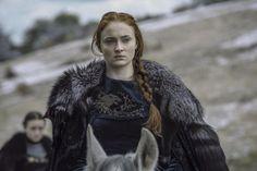 «Wenn der Schnee fällt und die weissen Winde wehen, stirbt der einsame Wolf, doch das Rudel überlebt.» Sophie Turner alias Sansa Starck. (Bild: HBO via AP)