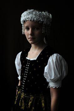 """Die Tracht an Fronleichnam im Glottertal/Schwarzwald. Aus der Serie """"Brautkronen"""", 2011 Black Forest, Germany."""