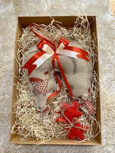 Handmade - Ručne šité anjelské krídla, cca 20cm veľké + stuha. Celá výška 45cm. Amart design Angel Wings, Gift Wrapping, Stars, Red, Handmade, Gifts, Gift Wrapping Paper, Hand Made, Presents