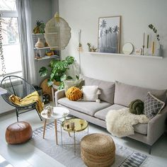 58 Attractive And Inspiring Modern Minimalist Living Room Designs ~ Ideas for House Renovations Home Living Room, Apartment Living, Interior Design Living Room, Living Room Designs, Living Room Decor, Small Living Rooms, Living Room Cushions, Interior Livingroom, Modern Minimalist Living Room