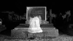 Do you believe in ghosts, but have never seen one? Do you want to see one? Read this now to discover how to see ghosts - Makes seeing spirits easy! Short Ghost Stories, Creepy Ghost Stories, Scary Horror Stories, Horror Films, Dream Meanings, Scary Dolls, Real Ghosts, Reading Stories, Ghost Hunting