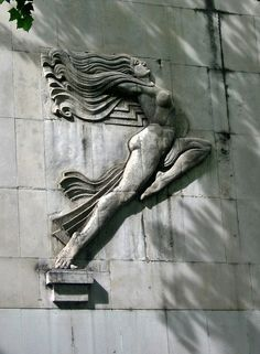 Female-bas-relief-photo-by-Paul-McCure