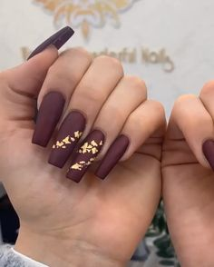 Is there anyone want to get a top-quality human hair wigs with affordable price? Halloween Acrylic Nails, Blue Acrylic Nails, Gorgeous Nails, Pretty Nails, Cute Acrylic Nail Designs, Matte Nail Designs, Nails Design, Maroon Nails, Fire Nails