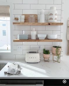 Don't be fooled by the sun, we are currently in a blizzard warning ☹ but here's a ridiculous story to help lighten the mood. Boho Kitchen, Home Decor Kitchen, Kitchen Interior, New Kitchen, Home Kitchens, Scandi Living, Nordic Living, Decoration Inspiration, Kitchen Shelves