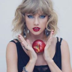 21 Makeup Tutorials That Will Help You Recreate Iconic Music Video Looks Concert Makeup Iconic makeup MUSIC Recreate Tutorials video Taylor Swift Songs, Taylor Swift Makeup, Taylor Swift Outfits, Taylor Alison Swift, Taylor Taylor, Make Up Tutorials, Makeup Trends, Makeup Ideas, Movies