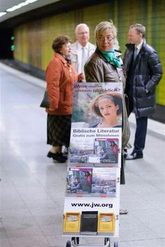 Frankfurt Germany ~ Publicly sharing The Good News of God's Kingdom ~ More at JW.org - Free Bible based publications to download in 600 languages!