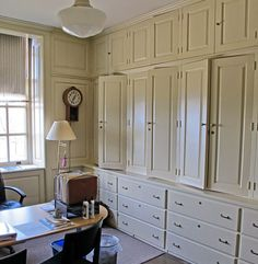 linen cupboard at Castle Hill by David Adler via New York Social Diary