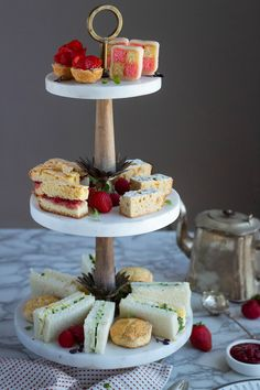 Downton Abbey: Afternoon Tea - A recipe series for afternoon tea inspired by the television series and movie, Downton Abbey. Mini Fruit Tarts, Vegan Teas, Tea Sandwiches, Finger Sandwiches, Afternoon Tea Parties, Tea Recipes, Downton Abbey, High Tea, Tea Time