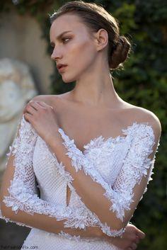 Gorgeous bride Nurit Hen Royal Couture 2016 Bridal collection. #wedding #nurithen