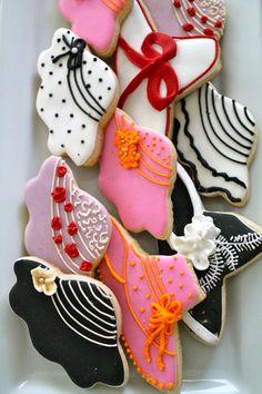 Derby hats decorated cookies...www.milgrageas.blogspot.com Decorated cookie ideas