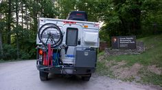 Four-Wheel-Smokey-National-Park / Four Wheel camper with Aluminess rear bumper with swing arms