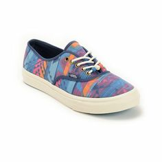 Get on trend with a fresh pair of kicks and slip on the Vans Authentic Slim shoes for girls. Built with a multicolor canvas upper that sits on top of a Marshmallow Blue vulcanized outsole with the Vans micro-waffle tread, these Authentic Slim shoes are casual and comfortable with no shortage of style. The sizes shown are in women's.Find your Vans shoe size.