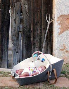 xai cesta bebés 600x780 Xai, el diseño de una alfombra para bebés.