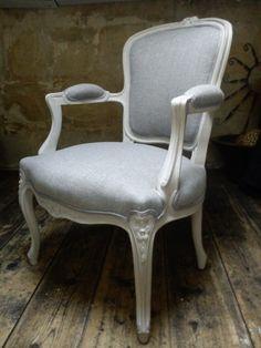 *vendu*_Fauteuil de style Louis XV entièrement refait à l'ancienne : Meubles et rangements par gloria-decorateur-tapissier