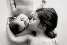 Love this sibling pic and really love that it was taken by a friend!  Way to go, Alice... this shot is amazing!!!