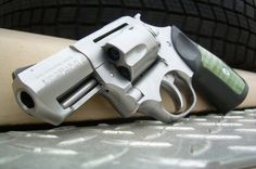 .357 magnum, small enough for concealed ¥ Ruger SP101
