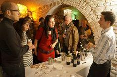 Geschenkidee: Eine Weinprobe mit der Weininsel Tour in Frankfurt - miomente
