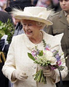 Queen Elizabeth II arriving at a reception held for Normandy veterans. Pictures Of Queen Elizabeth, Queen Elizabeth Ii, Prince Charles And Diana, Prince Philip, Hm The Queen, Queen Mary, The Queens Children, Black Hats, Royal Uk
