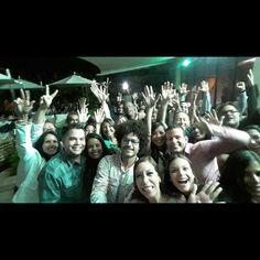 Graciiiias al estupendo público que eligió #Amoresdebarra como Entretenimiento éste Sábado 07/03 en el Hotel @eurobuilding a SALA LLENA y por formar parte de éste #Selfie como recuerdo de una noche Especial. #4Añosy7mesesininterrumpidosDeFunciones #CenaTragosyDiversion #ShowMusicalTeatral