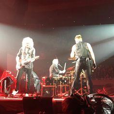 @rikiching Queen + Adam Lambert #queenadamlambert #queen #adamlambert #brianmay #rogertaylor #クイーンアダムランバート#アダムランバート #ブライアンメイ #ロジャーテイラー #日本武道館 #フレディマーキュリー生誕70年没後25年 #bohemianrhapsody #wewillrockyou #wearethechampions