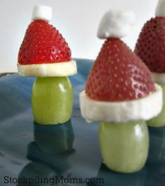 Grinch Poppers are perfect for Christmas morning or a How the Grinch Stole Christmas party.  This healthy treat is easy to make and the kids love it! The perfect treat to celebrate Dr. Seuss's birthday too!