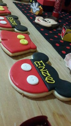 Cookies Mickey mouse Mickey Mouse Birthday, Birthday Parties, Sugar, Cookies, Party, Desserts, Food, Anniversary Parties, Biscuits