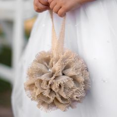 Burlap Kissing Ball | #exclusivelyweddings