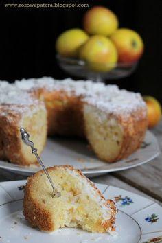 Ucierane ciasto z jabłkami pod kokosową pierzynką