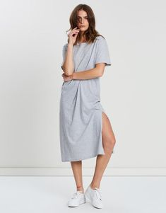 The perfect, relaxed t-shirt dress for spring, the Essential Tee Dress is made with soft, breathable cotton and cut in an oversized fit. Beauty Boutique, Fashion Boutique, Oversized Shirt Outfit, Outfit Shop, Minimalist Wardrobe, Girls Wardrobe, Complete Outfits, Tee Dress, Gray Dress