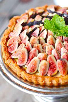 Honey Mascarpone Amaretti Tart with Fresh Figs