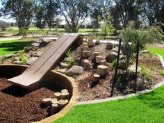 Gorgeous Play Garden Design Ideas For Your Kids When gathering tips for your backyard play area your primary concern ought to be safe. There are many great ideas it's possible to try and be sure you also involve the kids in your projects. Playground Design, Backyard Playground, Backyard For Kids, Playground Ideas, Natural Outdoor Playground, Backyard Ideas, Plastic Playground, Kids Play Spaces, Outdoor Play Spaces