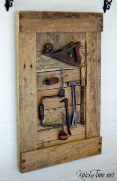 DIY Rustic Antique Tools Display - KnickofTime.net #Antiquetools