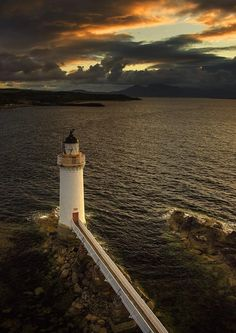 """""""@Lairdship: Mesmerising photograph of Eilean Bhan Lighthouse, Isle of Skye. #Scotland #photography pic.twitter.com/WiRONwu1ML"""""""