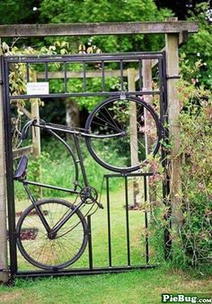 """advice-animal: http://advice-animal.tumblr.com Now that's an interesting garden gate… Re""""cycling"""" at it's fine..."""