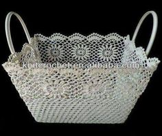 This Pin was discovered by Küb Crochet Bowl, Crochet Basket Pattern, Knit Basket, Crochet Art, Crochet Gifts, Crochet Motif, Hand Crochet, Crochet Patterns, Crochet Baskets
