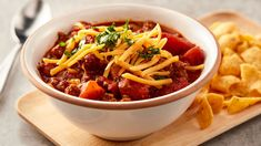 Here's a creative idea for serving chili at your next winter party! Serve hearty chili in bread bowls you can eat. Slow Cooker Chili, Slow Cooker Recipes, Crockpot Recipes, Cooking Recipes, Cooking Chili, Cooking Ribs, Crockpot Dishes, Cooking Games, Pastas Recipes