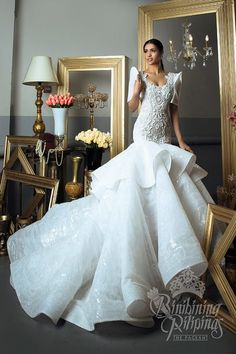 LOOK: The Bb Pilipinas 2017 candidates in stunning national costumes Modern Filipiniana Dress, Filipiniana Wedding, Ball Dresses, Ball Gowns, Midi Dresses, Bridal Gowns, Wedding Gowns, Wedding Bride, Wedding Cakes