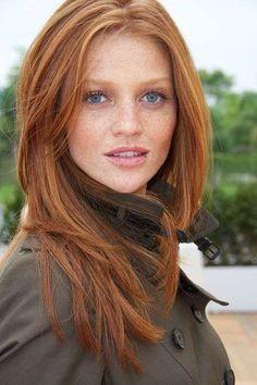 She's beautiful ♥ Red hair - Cintia Dicker Natural Red Hair, Natural Redhead, Natural Lips, Natural Glow, Ginger Hair Color, Red Hair Color, Hair Colors, Color Blue, Colour