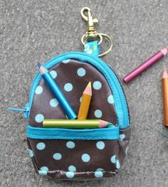 Mini Back Pack Coin Purse and Key Chain pattern on Craftsy.com [FREE and awesomely cute!]