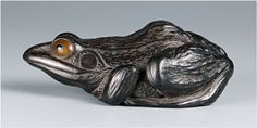 Netsuke Tree frog by Tomoharu