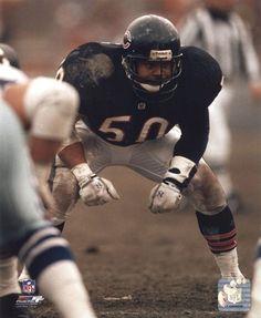 Mike Singletary-Scariest eyes in NFL history Nfl Football Players, Football Love, Vintage Football, School Football, Football Stuff, Football Names, Football Icon, Football Humor, Browns Football