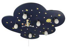 Blaue Kinderzimmerlampe in Wolkenform mit dem kleinen Prinzen und Sternen aufgemalt, vor weißem Hintergrund.