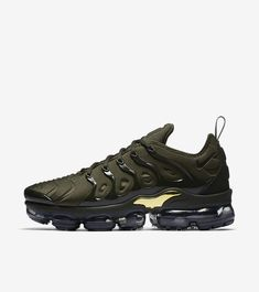 eabc29b5ab7 AIR VAPORMAX PLUS Mens Fashion Blog