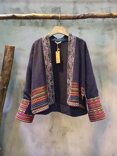 Retro Style Ethnic Embroidery Short Cardigan Flax Chinese Coat