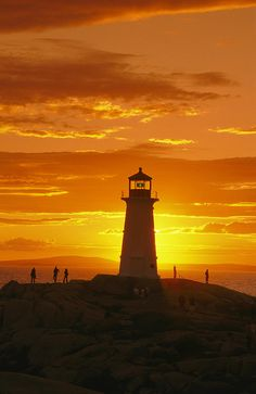 ✭ Peggy's Cove Lighthouse at sunset - Nova Scotia, Canada