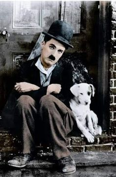 """Charlie Chaplin and """"Scraps"""" in """"A Dog's Life"""" - colourised photo Charlie Chaplin, Charles Spencer Chaplin, Tier Fotos, Silent Film, Vintage Movies, Art Pictures, Comedians, Movie Stars, Famous People"""