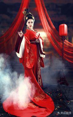 Japanese Wedding Kimono, L5r, Ancient Beauty, Traditional Fashion, Asian Beauty, Chinese, Wonder Woman, Wallpaper Art, Costumes