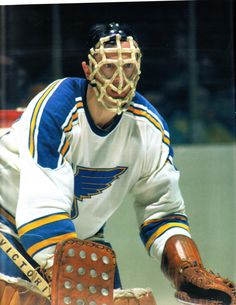 Jacques Caron - Former Vancouver Canuck goalie Ice Hockey Teams, Bruins Hockey, Hockey Goalie, Hockey Players, Men Of Courage, Blues Nhl, Classic Blues, Goalie Mask, Different Sports