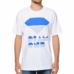 Instantly upgrade your wardrobe with the throwback style of the new Diamond Supply Retro white tee shirt. Modern comfort meets old school style with a retro Diamond logo and text graphic at the chest in grey and blue, and tag-free design for added comfort while you skate in the Retro tee shirt.